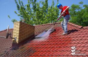 Entretenir la toiture et les façades - nettoyage toiture